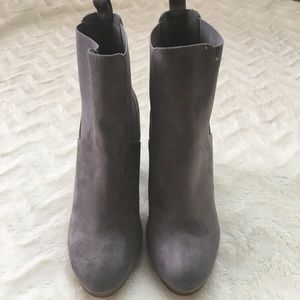 EUC Forever 21 Faux Suede Boots. Size: 7